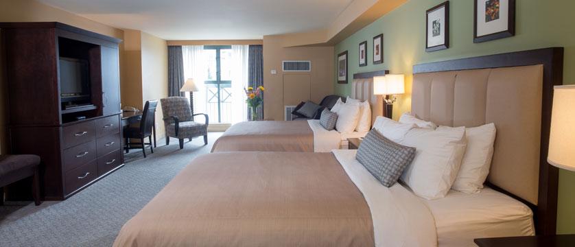 canada_whistler_crystal_lodge_hotel_queen_bedroom.jpg